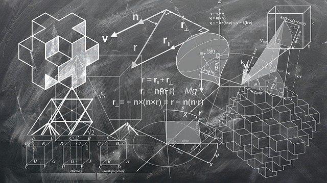 tablica z wzorami geometrycznymi